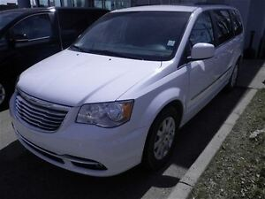 2016 Chrysler Town & Country Touring Keyless Entry Camera