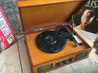 Unused Vintage Style record player with 2xVinyl (doors, Janet jackson)