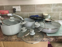 New 8 piece set of saucepans