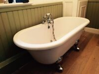 Vintage Style Roll Top Bath