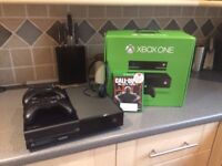 Xbox one Console - 2 controllers, Headset &HDMI & Call of duty - Great Condition