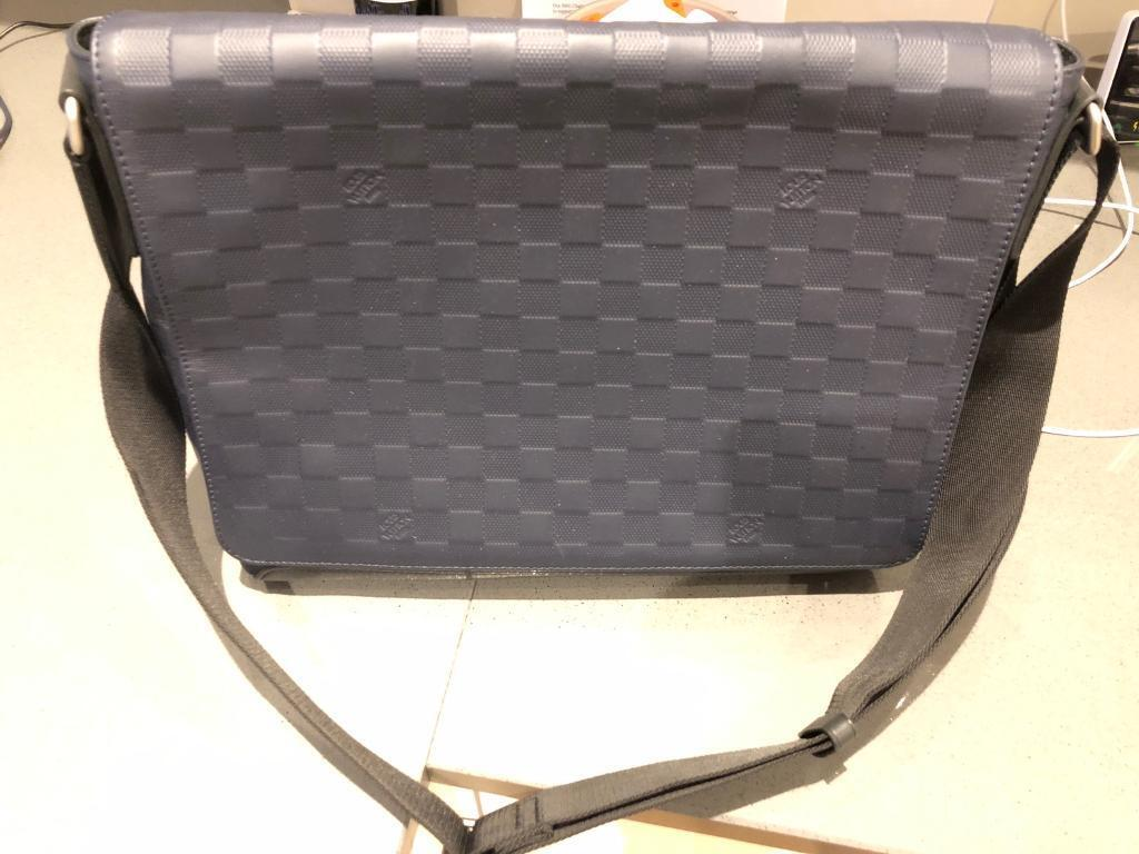 Louis Vuitton District MM Astral Damier Infini leather Messenger Bag ... 8dd8121f90