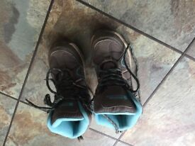 Childrens mountain warehouse hiking boots size 12