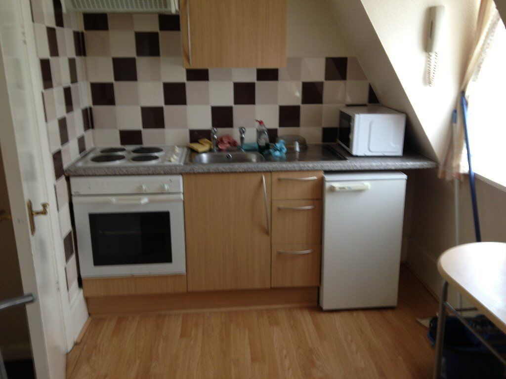A SPACIOUS ONE BEDROOM PROPERTY ON THE SECOND FLOOR BRECKNOCK RD, N7