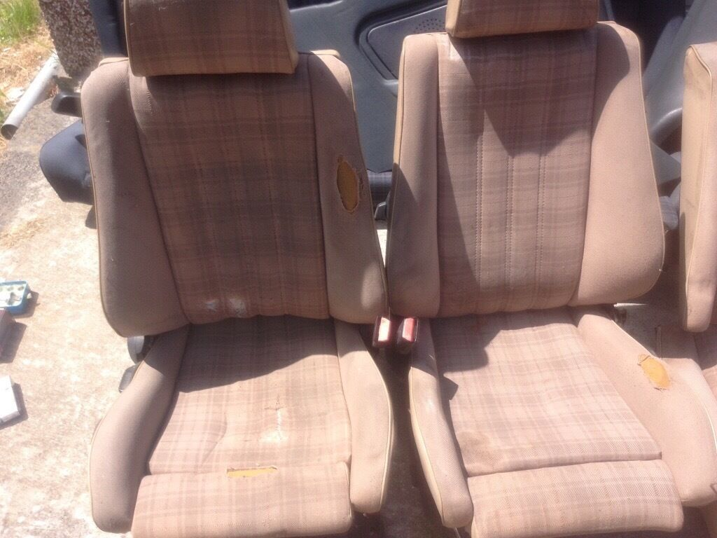 Bmw E 30 Cabriolet Seats In Beige Houndstooth