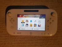 Wii U 8gb excellent condition (games also available)