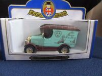 Oxford die cast model cars x 2