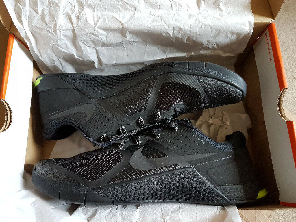 *NEW* - Nike Metcon 2's (Black) Size 11/46 - RRP£110