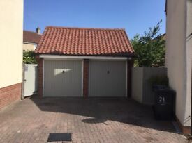 Single or Double Garage to rent for car/motorbike/stuff storage. Safe and Dry in residential house