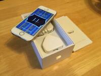 ( As new ) apple iPhone 5s 32GB factory unlocked box all accessories( perfect gift )