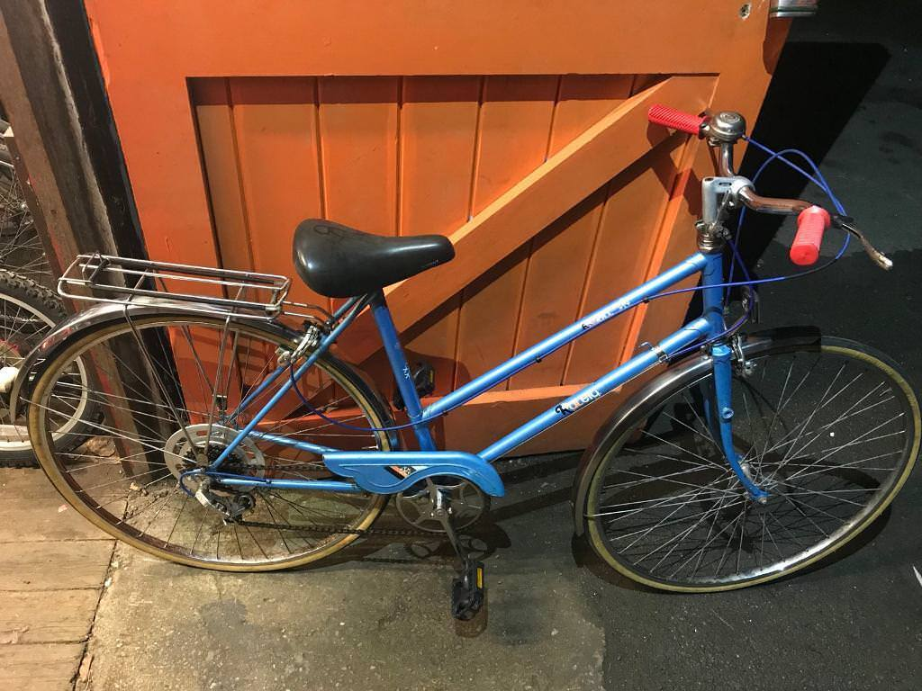 Raleigh Estell Ladies Town Bike. Fully Serviced, Good Condition. Free Lock, Lights, Delivery.