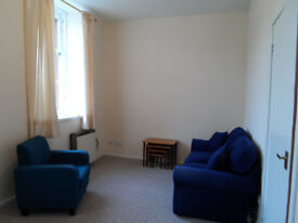 Centrally located furnished second floor flat for rent, High Street, Galashiels £370 per month