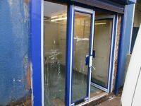 ***SHOP/LOCK UP UNIT***UNFURNISHED***APPROX 400 SQ FT***SEPARATE OFFICE***EXCELLENT LOCATION***