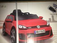 VW Golf Ride In/on Car 1:4 scale White Brand New Electric