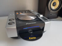 Pioneer CDJ200 Pair CD MP3 (one damaged)