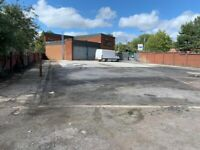 Garage with yard to let off a busy main road in Wednesbury/Darlaston