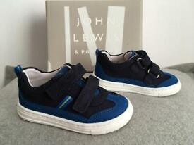 John Lewis boys leather trainers size 5/21 worn once