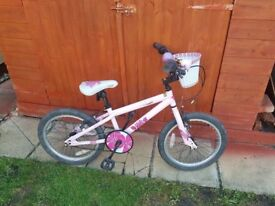 Girls Kinx Bicycle in good condition with basket