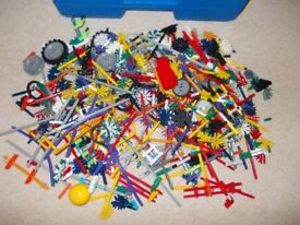 A BIG COLLECTION OF K'NEX