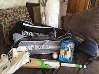 **Junior cricket set/equipment-bat, helmet, gloves,pads, bag**