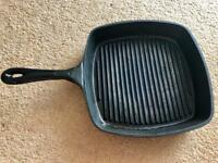 House of Fraser Linea 26cm Cast Iron Enamelled Griddle Grillpan Black