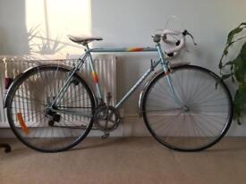 Vintage Peugeot 57cm classic touring bike