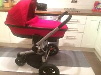 Quinny buzz red revolution with carrycot red rumour