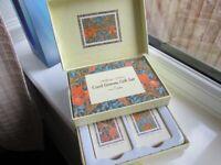 William Morris Cards Game Gift Set New.