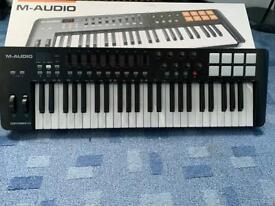 M-Audio Oxygen 49 Mk Iv midi controller keyboard