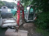 Kubota 2.5 ton mini digger with three buckets 4104 hours £7500 no vat