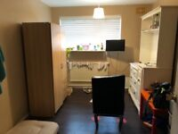 Superb Three Double Bedroom Apartment With Small Kitchen INcluding COUNCIL TAX AND Water Bills