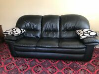 THREE PIECE SUITE IN BLACK LEATHER. Smoke and Pet free.