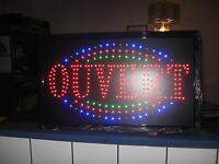 Enseignes lumineuses à vendre / Led signs for sell