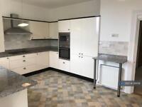 3 bedroom flat in Higher Erith Road, Torquay, TQ1 (3 bed)