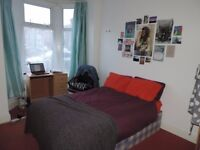 Salisbury St, Cathay`s. 6 bed Student Property.**NO AGENCY FEE** Half Rent July/August. £330 pppm.