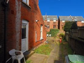 Spacious one bedroom ground floor flat in Alverstoke, close to seafront