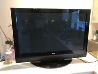 LG TV Flat 42 Inch HDMI GREAT CONDITION + Remote controle