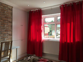 ***Luxury and Large 1 Double Bedroom with En-suite in Northfield, B31***