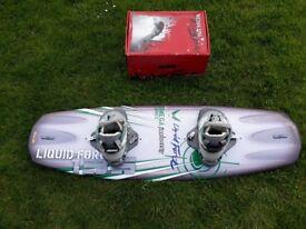 Liquid Force Omega Series 135 Wakeboard & Alpha Bindings (Large)