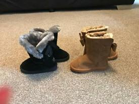 Toddler winter shoes / boots size 6 river island