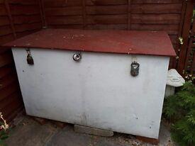 Gardwn storage box wood metal