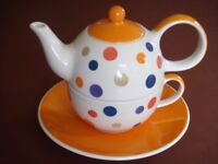 Teapot, cup and saucer - Whittard - unused