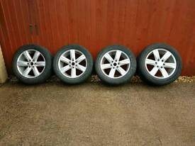 "20"" Alloy Wheels & 285 50 R20"