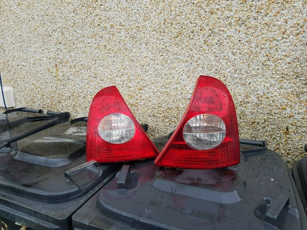 Renault Clio back lights