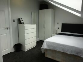 4 rooms available in 6 bed refurbished student house kensington from £80pw-£90PW Bills inc
