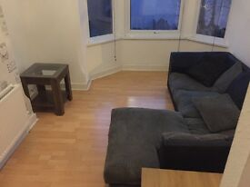 1 BED FLAT AVALIABLE