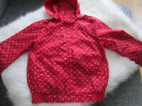 SPOTTY RAIN JACKET WITH HOOD (RED/PINK SPOTS) - AGE 6-7 - GC