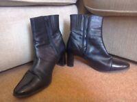 Black boots size 5 1/2