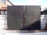 Wrought iron gates / Driveway Gates / Metal gates / Steel gates / Garden gates / Security gates