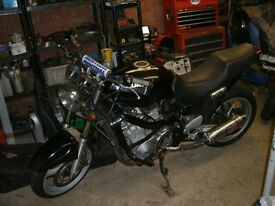SUZUKI GSX 750F. 1998. R reg. Black.
